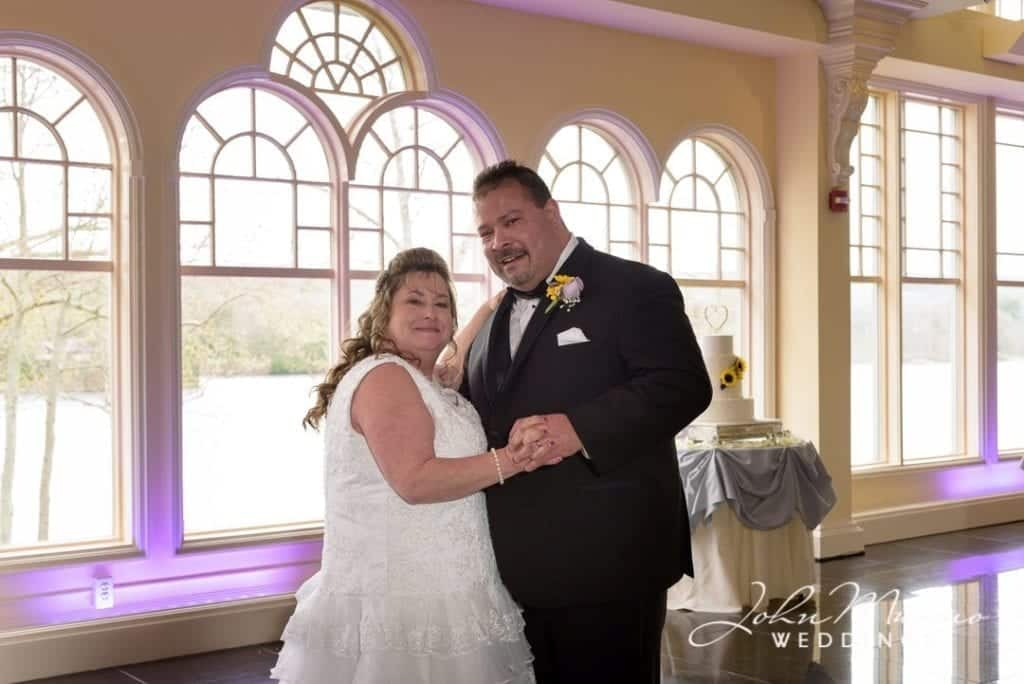 Kari & Nelson's Wedding First Dance
